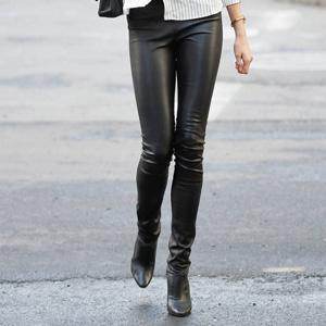 10 кожаных брюк для дерзкого образа